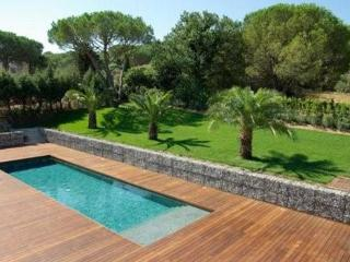 Great French Riviera Holiday Home with Pool, 5 Bedroom House in St Tropez - Saint-Tropez vacation rentals