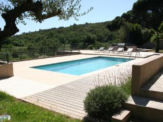 Lovely Grimaud 6 Bedroom Vacation House with a Pool and a Garden - Lorgues vacation rentals