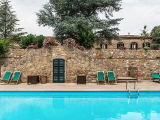 Luxury Villa Near San Gimignano in Tuscany - Forcoli vacation rentals