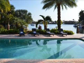 Casa Santa Barbara STUNNING 5BR/4.5 BA WATERFRONT HEATED POOL ESTATE! - Coral Springs vacation rentals