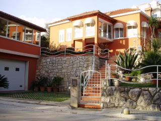 VILLA GEMMA-house near the sea with swimming pool - Mlini vacation rentals
