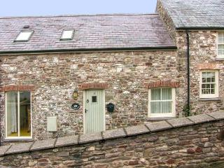 LIMESLADE, coastal setting, off road parking, enclosed garden, in Laugharne, Ref 21317 - Laugharne vacation rentals