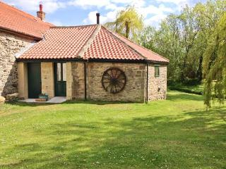 THE WHEELHOUSE, character cottage with woodburner, by beck in Barton, Richmond Ref 21956 - Piercebridge vacation rentals