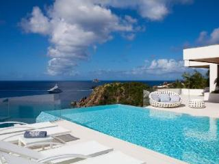 Unique villa Vitti boasts sunset views from infinity pool & access to private beach - Gustavia vacation rentals