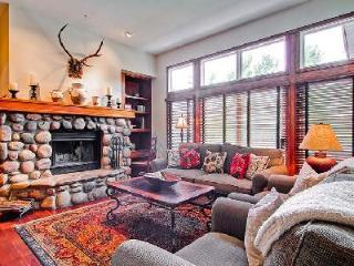 Highlands Townhome 2 - Beaver Creek, family-friendly en-suites, Ski-in/ski out - Beaver Creek vacation rentals