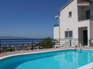 Villa Tonka Pink apart. NEW IN OFFER IS BREAKFAST - Makarska vacation rentals