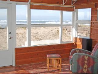 Malibar Beach House - Beach front in Rockaway Beach - Oceanside vacation rentals