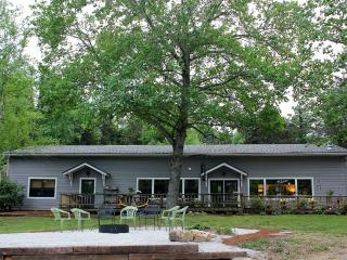 CATCH A RAINBOW...at River House Retreat! - Arkansas vacation rentals