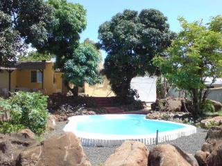 Chambre d'hôte avec piscine, Wifi proche de la mer - Flic En Flac vacation rentals