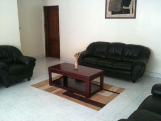 Appartement meublé de type F4 – Aux Almadies - Dakar vacation rentals
