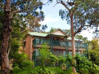 Kookaburra Lodge Retreat Bed and Breakfast - Bowen Mountain vacation rentals