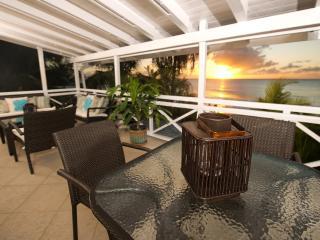Bora Bora Upper at St. James, Barbados - Beachfront, Walk To Restaurants, Short Drive To Shopping - Saint James vacation rentals
