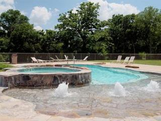 Beautiful Guadalupe River hideaway only 6 blocks from SCHLITTERBAHN and COMAL - Canyon Lake vacation rentals