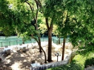 Comal River Access and Walking Distance to SCHLITTERBAHN - Canyon Lake vacation rentals