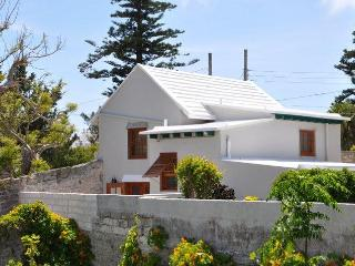 E14. Historical Cottage in St. Georges - Bermuda vacation rentals