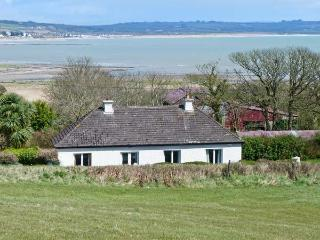 AN SRUTHAN SAILE, near coast, open fire, off road parking, garden, in Ballycotton, Ref 22459 - County Cork vacation rentals