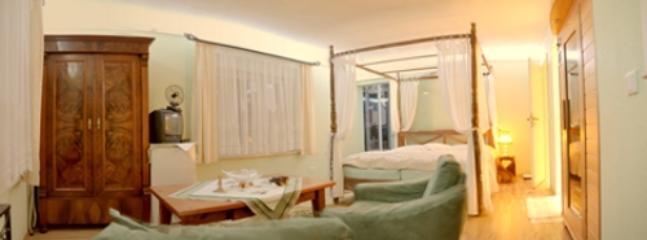 Vacation Apartment in Hoppegarten - 377 sqft, quiet, comfortable, central (# 3649) #3649 - Vacation Apartment in Hoppegarten - 377 sqft, quiet, comfortable, central (# 3649) - Hoppegarten - rentals