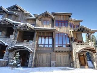 Base Camp #460: Ultimate 4-bedroom ski-in/ski-out - Winter Park vacation rentals