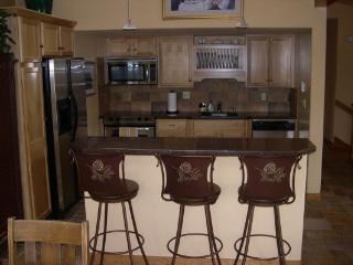 401 Creekside Townhome 2BR 3BA - Frisco - Powderhorn vacation rentals