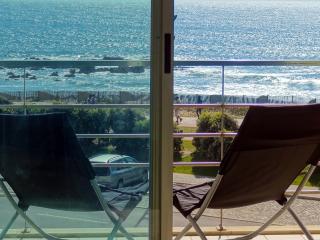 Beach front apartment w/ superb sea view near Porto - Vila Nova de Gaia vacation rentals