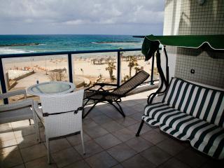 THE Beach Apartments Tel Aviv - First Line to the beach - Tel Aviv vacation rentals