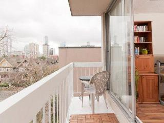 Sleeps 5 West End Vancouver on Pendrell near Davie - Montreal vacation rentals