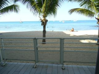 Beachfront studio - Saint Martin vacation rentals