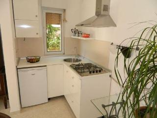 Apartment Laura - Kavran vacation rentals