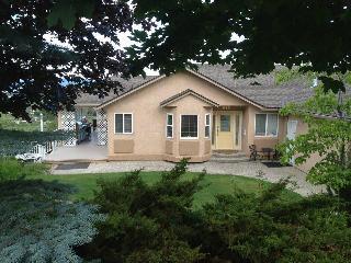 2 bedroom suite Lake Okanagan & Kelowna City Views - Kelowna vacation rentals