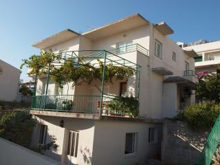 Apartments Matkovic - Makarska vacation rentals
