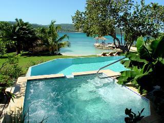 Amanoka on the Beach - Discovery Bay vacation rentals