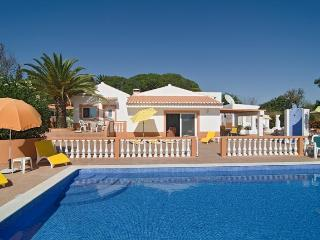 Nice villa in calm zone,w/ Air Cond in all rooms - Algarve vacation rentals