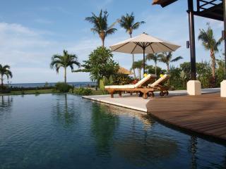 Villa Banjar Beach, Banjar, Lovina, Beachfront - Dencarik vacation rentals