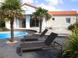 Acacia With Private Pool - Vendee vacation rentals