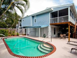Blue Palm: 2BR Pet-Friendly Pool Home near Beach - Holmes Beach vacation rentals