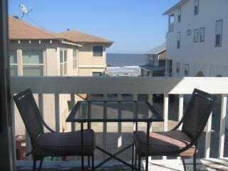 Steps 2 Beach-Great Oceanviews-Discount 4 Fall/Win - Tybee Island vacation rentals