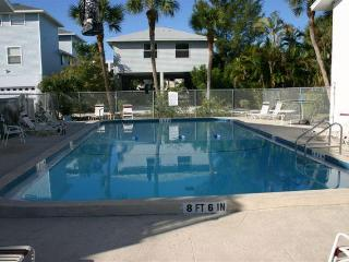 AMI Island Living -Walk to Beach-Ground Level Unit - Bradenton Beach vacation rentals