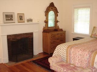 The Cottage at Sunnybank - Charlottesville vacation rentals