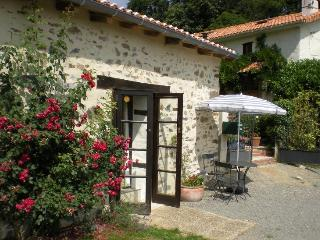 The Rose Barn - Montbron vacation rentals