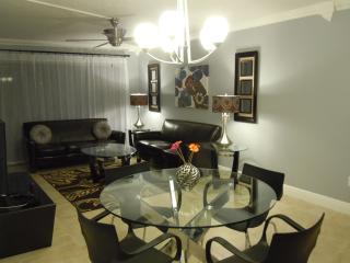 Elegant  Modern Condo/Apt. in  Sunny Orlando ! - Orlando vacation rentals