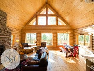 Beautiful, log cabin on Blacktail Mountain! - Lakeside vacation rentals