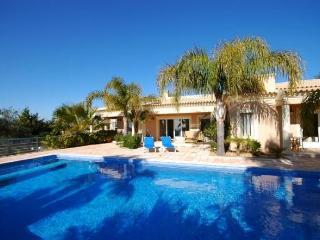 Raposeiras Luxury Villa, The Algarve - Santa Barbara de Nexe vacation rentals