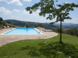 A unique house in Umbria, Casa la Bastia - Passignano Sul Trasimeno vacation rentals