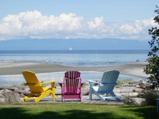 Kye Bay Guest Lodge ....your family vacation spot! - Denman Island vacation rentals