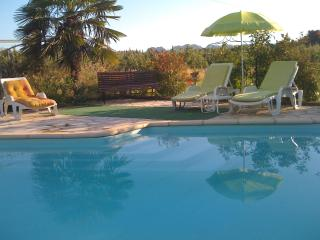 Couleur du Sud, 1 Bedroom Vacation Rental with a Pool and Balcony - Molleges vacation rentals