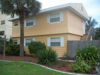 Cocoa Beach Cottage - Cocoa Beach vacation rentals