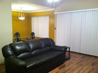 Fully Furnished 3 bed/2bath in heart of city of Tucson Az - Tucson vacation rentals