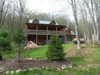 Lovely private home is the PERFECT vacation space for TEN people!! - West Virginia vacation rentals
