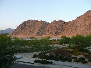 Perfectly Located  3 Bedroom Villa with Mountain Views - La Quinta vacation rentals