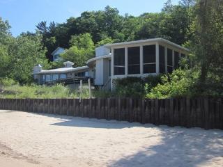 Lakehaus / Palisades Park - Weekly rentals Friday to Friday - Southwest Michigan vacation rentals